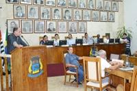 Em sessão com 3 projetos, vereadores debatem desmatamento de área