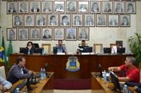 Plenário aprova 5 projetos e debate atuação da Polícia Militar em eventos