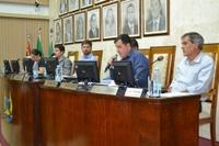 Sessão de 13/11/17 – Câmara aprova 6 projetos e cobra melhorias em várias frentes