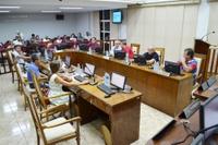 Sessão tem 3 projetos aprovados e debate sobre transporte escolar e salários atrasados