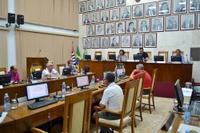 Vereadores aprovam convênio entre Santa Casa e Unifae e mais 5 documentos em sessão extraordinária