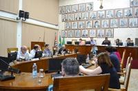 "Vereadores debatem com especialistas o Projeto de Lei sobre ""festas rave"""