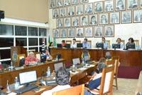 Vereadores debatem proibição de festas raves e aprovam 7 documentos na 9ª sessão do ano