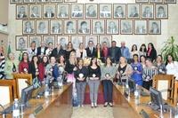 """Câmara homenageia 16 professores com a Medalha de Mérito Educacional """"Professora Consuelo Aliende"""""""