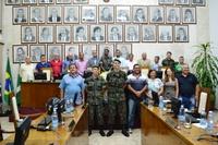 Câmara Municipal entrega diploma de Atirador Destaque do Ano em Sessão Solene