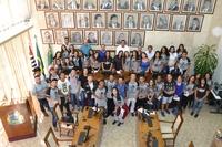 Câmara municipal recebe visitas de escolas da cidade