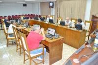 Em sessão extra, vereadores aprovam recursos para nova escola e contratação para concurso do Legislativo