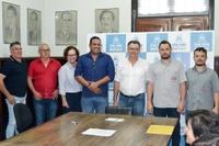 Legislativo participa de assinatura de contratos para ampliação de empresas no Distrito Industrial