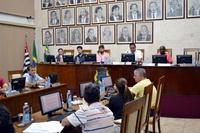 Sessão de 05.03.18 – Vereadores aprovam 10 projetos e arquivam denúncia contra o prefeito