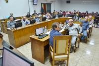 Vereadores aprovam 2 projetos e debatem Saúde e protesto dos caminhoneiros