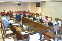 Câmara aprova 17 documentos na última sessão ordinária de 2015