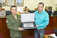 Câmara entrega Título de Cidadão ao chefe de instrução do Tiro de Guerra e diploma ao Atirador Destaque do Ano