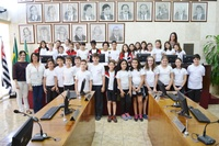 Estudantes do 5º ano do Sesi visitam o Plenário da Câmara Municipal