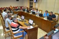 Plenário aprova ampliação no tempo de atendimento em bancos e debate Parada de Natal 2016